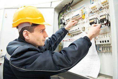 mise au norme electricite 06
